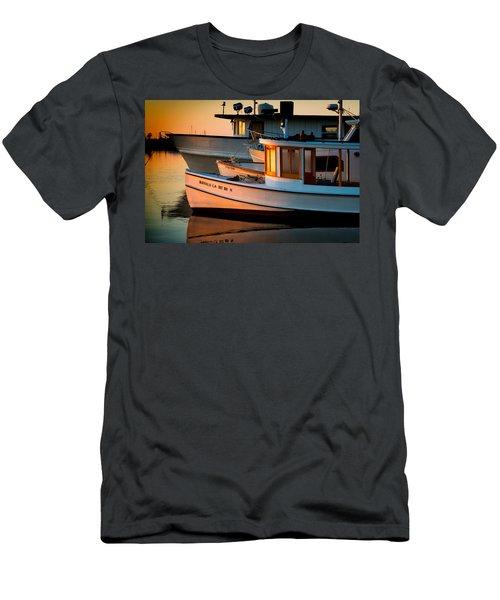 Buffalo Boat Men's T-Shirt (Athletic Fit)