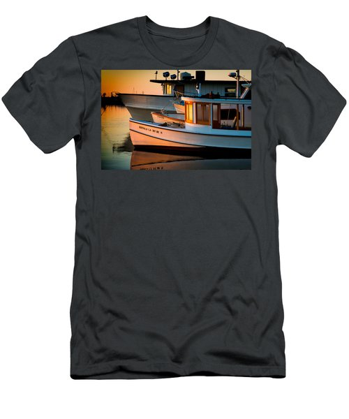 Buffalo Boat Men's T-Shirt (Athletic Fit)