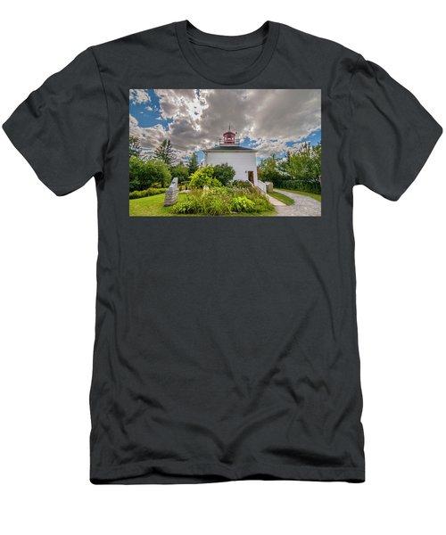 Burntcoast Head Lighthouse  Men's T-Shirt (Athletic Fit)