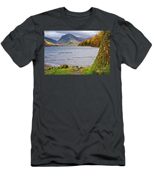 Buttermere Lake District Men's T-Shirt (Athletic Fit)