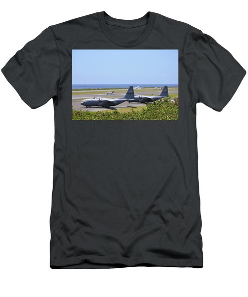 C130h At Rest Men's T-Shirt (Athletic Fit)