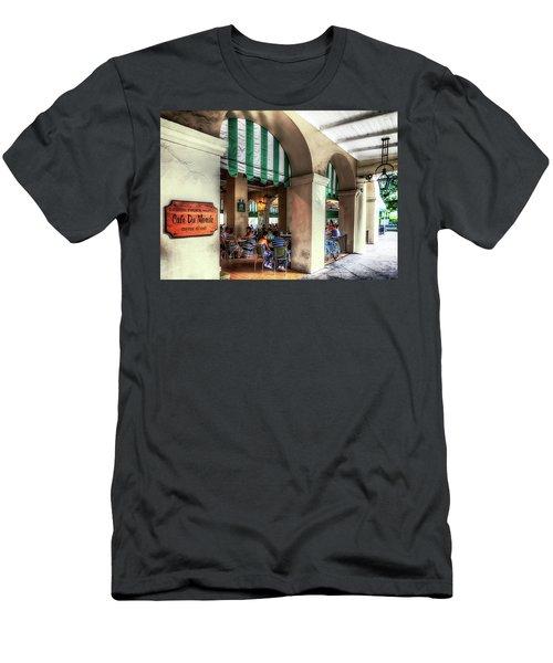 Cafe Du Monde Coffee Stand Men's T-Shirt (Athletic Fit)