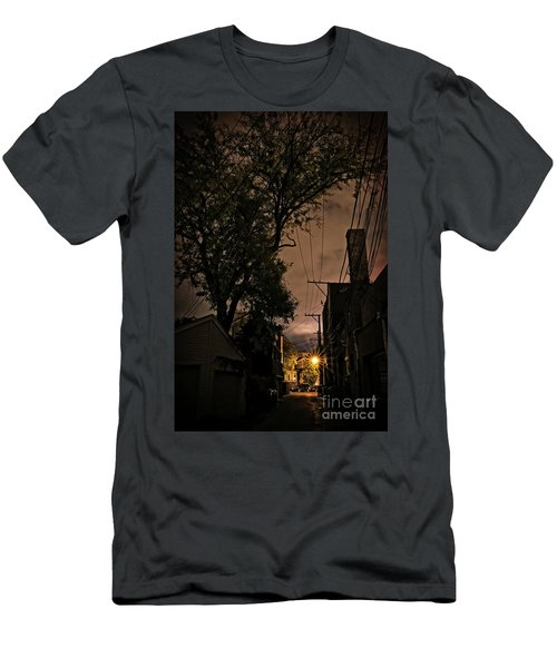 Chicago Alley At Night Men's T-Shirt (Athletic Fit)