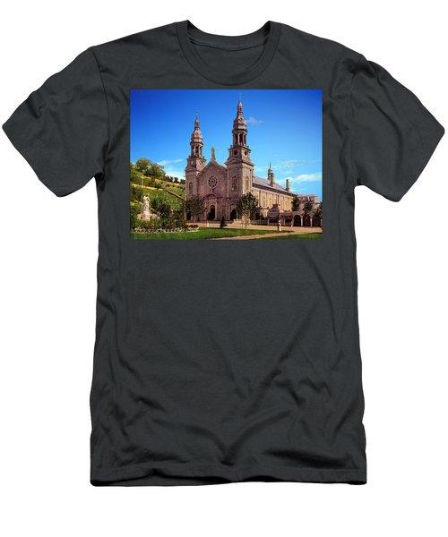 Church Of Ste Anne De Beaupre Men's T-Shirt (Athletic Fit)