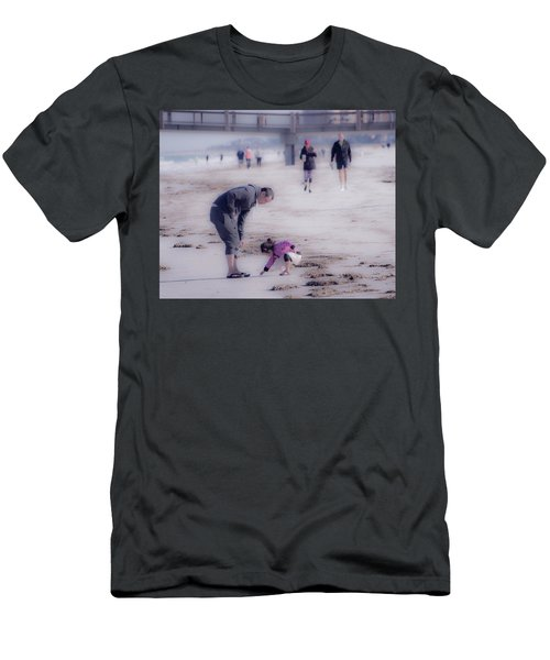 Clearwater Beachcombing Men's T-Shirt (Athletic Fit)