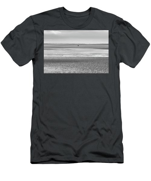 Coastal Brown Bear On  A Beach In Monochrome Men's T-Shirt (Athletic Fit)