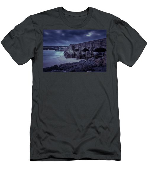 Cold Mood On The Pier Men's T-Shirt (Athletic Fit)