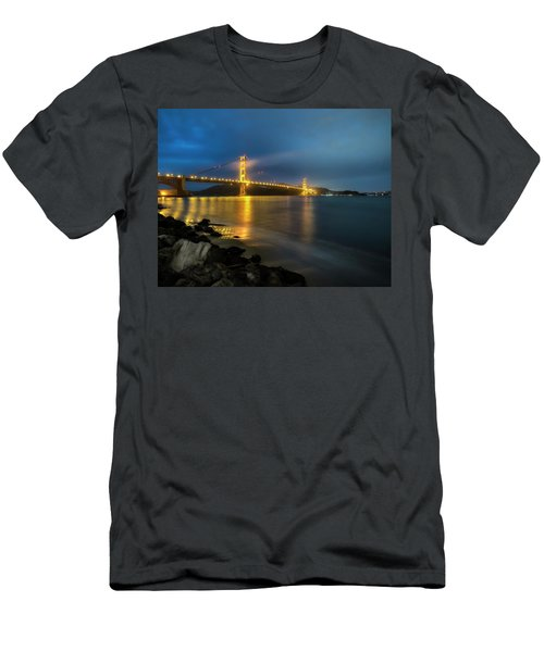 Cold Night- Men's T-Shirt (Athletic Fit)