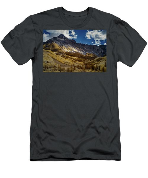 Colorado Mountains Men's T-Shirt (Athletic Fit)
