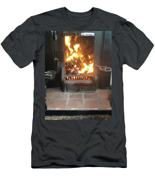 Cosy Winter Fire Men's T-Shirt (Athletic Fit)