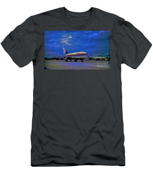 Dc10-30 Taxi Chicago Ohare Early Morning  521010057 Men's T-Shirt (Athletic Fit)