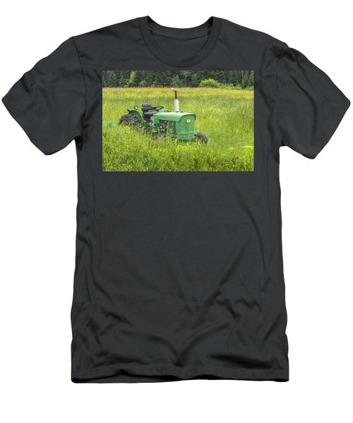 Deere Country Men's T-Shirt (Athletic Fit)