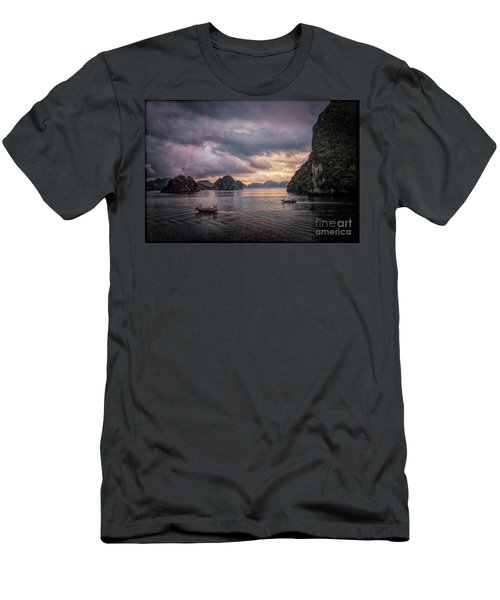Dramatic Cloud Invade China Sea  Men's T-Shirt (Athletic Fit)