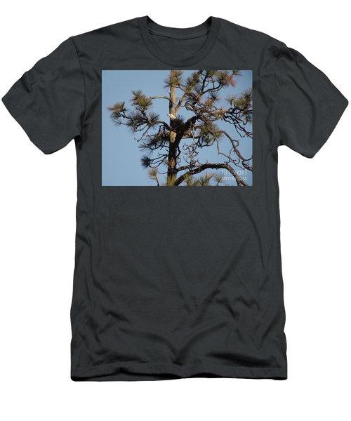 Eagle Preparing To Launch Men's T-Shirt (Athletic Fit)