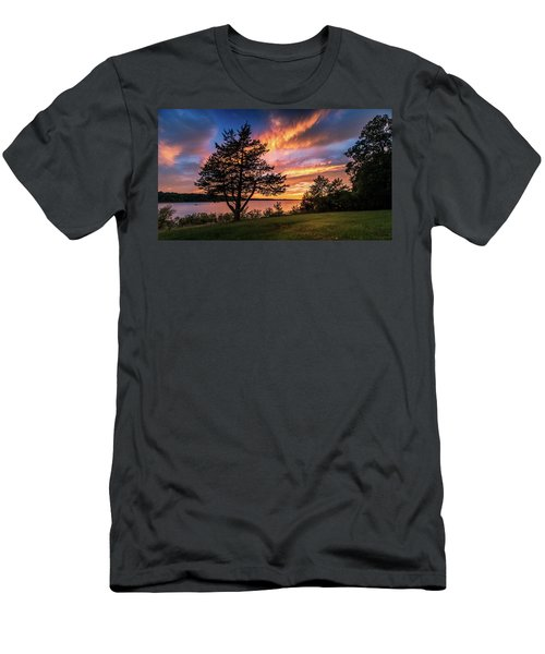 Fishing At End Of Day Men's T-Shirt (Athletic Fit)