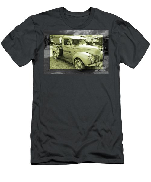 Ford 1941 Pickup  Men's T-Shirt (Athletic Fit)