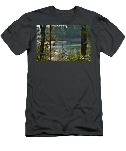 Forest Lake In Amendoa Men's T-Shirt (Athletic Fit)