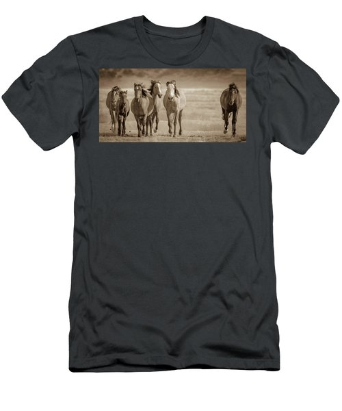 Free Family 2 Men's T-Shirt (Athletic Fit)