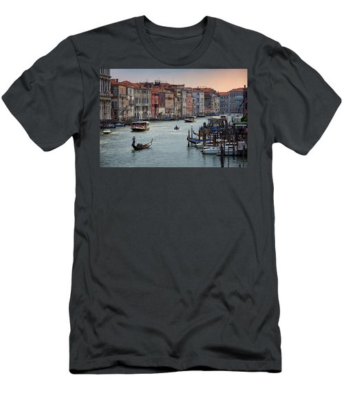 Grand Canal Gondolier Venice Italy Sunset Men's T-Shirt (Athletic Fit)