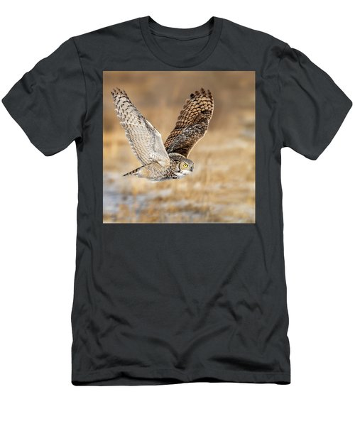 Great Horned Owl In Flight Men's T-Shirt (Athletic Fit)