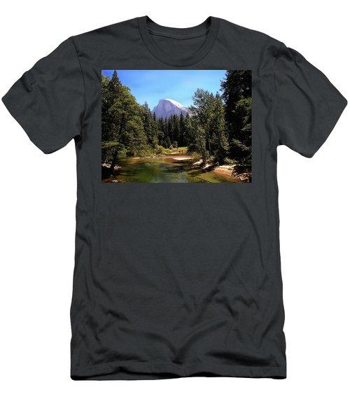 Half Dome From Ahwanee Bridge - Yosemite Men's T-Shirt (Athletic Fit)