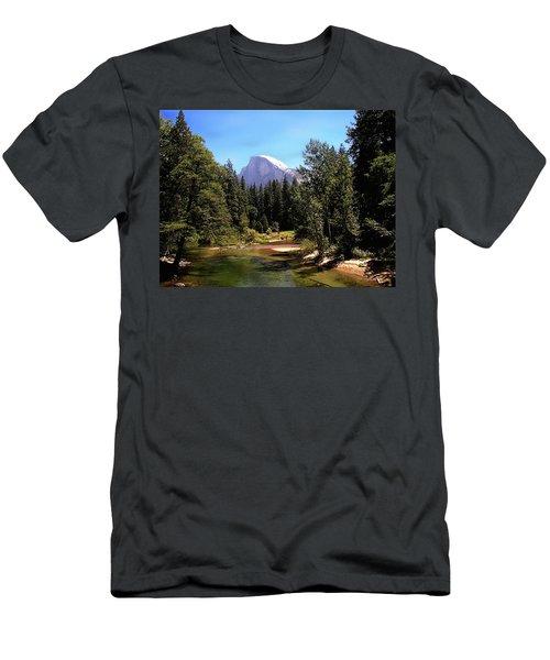 Half Dome From Ahwanee Bridge - Yosemite Men's T-Shirt (Athletic Fit)