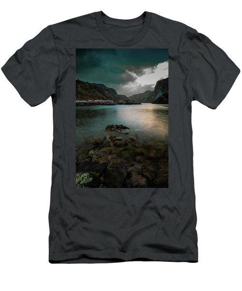 Hamnoy, Lofoten Islands Men's T-Shirt (Athletic Fit)