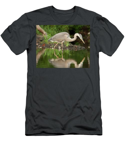 Heron Fishing Men's T-Shirt (Athletic Fit)