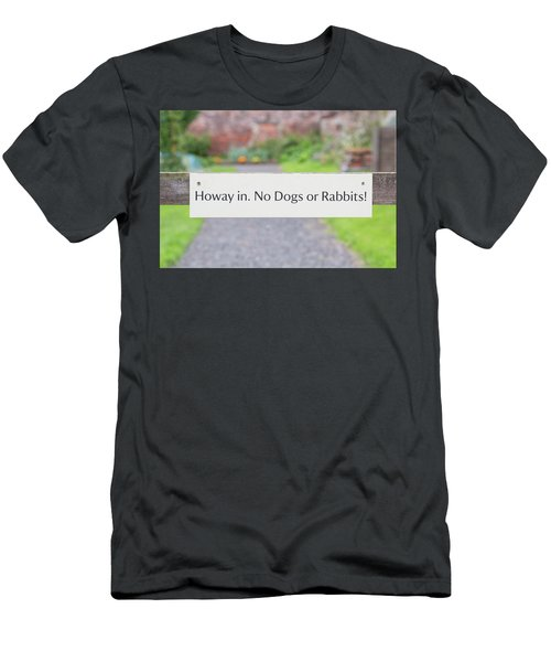 Howay In. No Dogs Or Rabbits - Allotments Men's T-Shirt (Athletic Fit)