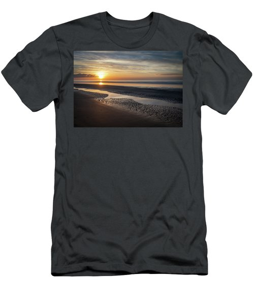 Isle Of Palms Morning Patterns Men's T-Shirt (Athletic Fit)