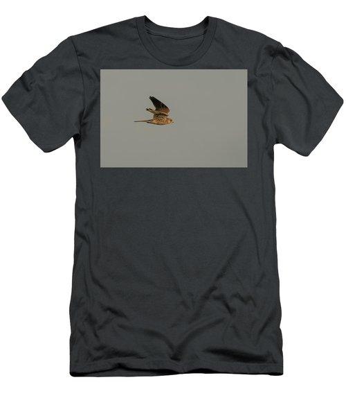 Kestrel Sundown Flyby Men's T-Shirt (Athletic Fit)