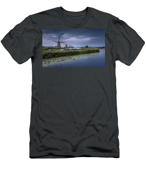 Kinderdijk Dark Sky Men's T-Shirt (Athletic Fit)