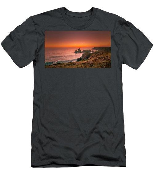 Kynance Cove Men's T-Shirt (Athletic Fit)