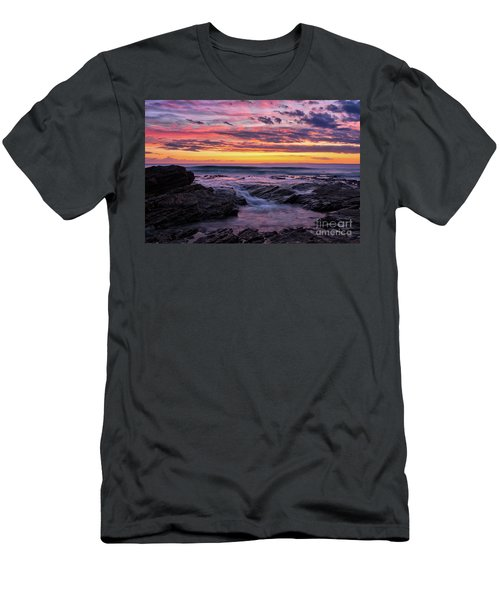 Last Sunset Of 2018 Men's T-Shirt (Athletic Fit)