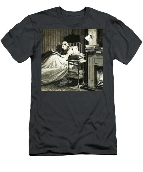 Marcel Proust Sat In Bed Writing Remembrance Of Things Past Men's T-Shirt (Athletic Fit)