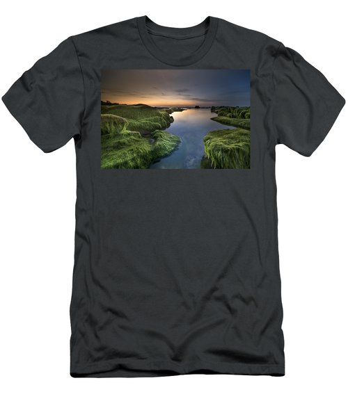 Marine Sunset Men's T-Shirt (Athletic Fit)