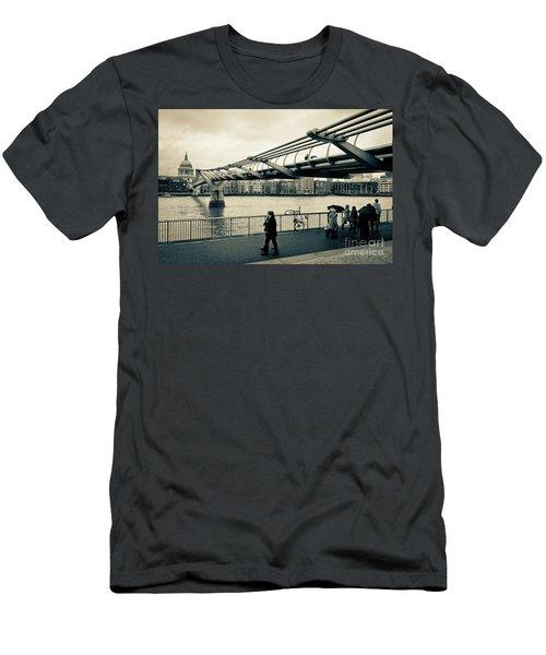 Millennium Bridge 03 Men's T-Shirt (Athletic Fit)