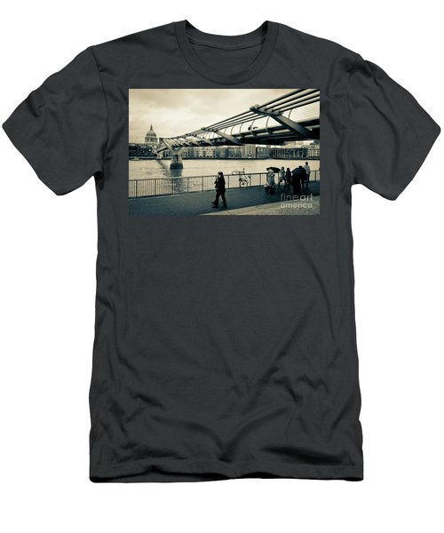 Millennium Bridge 03 Men's T-Shirt (Athletic Fit)