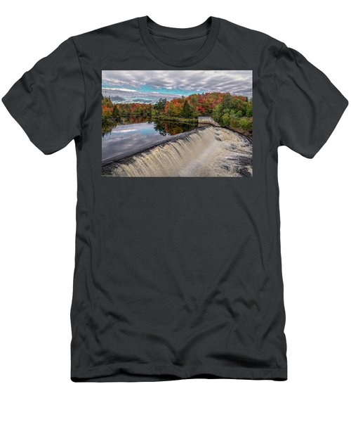 Montmorency Falls Men's T-Shirt (Athletic Fit)