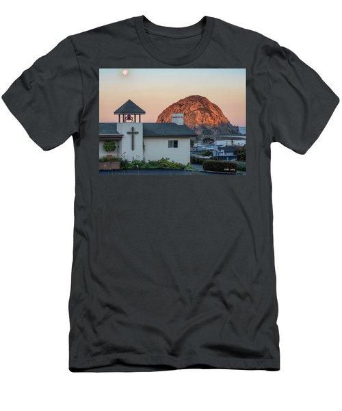 Moonset Above Morro Rock Men's T-Shirt (Athletic Fit)
