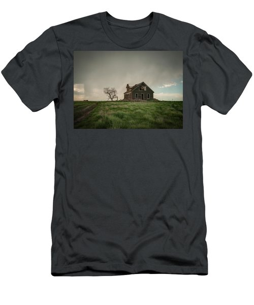 Nebraska Farm House Men's T-Shirt (Athletic Fit)