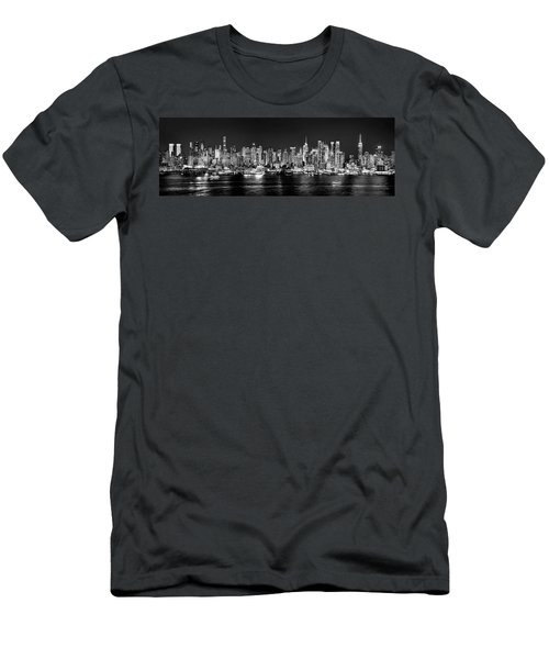 New York City Nyc Skyline Midtown Manhattan At Night Black And White Men's T-Shirt (Athletic Fit)
