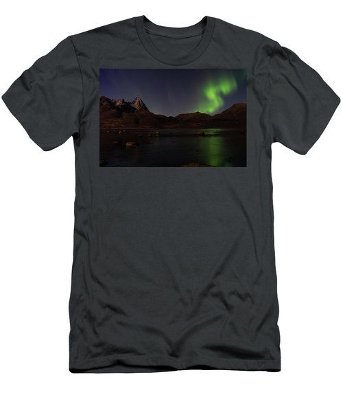 Northern Lights Aurora Borealis In Norway Men's T-Shirt (Athletic Fit)