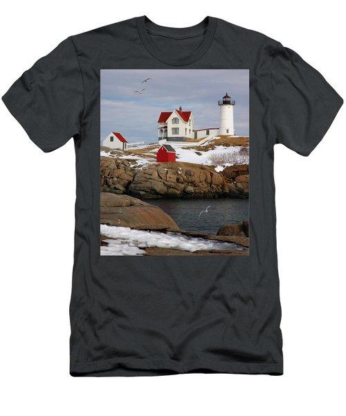 Nubble Light - Cape Neddick Lighthouse Seascape Landscape Rocky Coast Maine Men's T-Shirt (Athletic Fit)