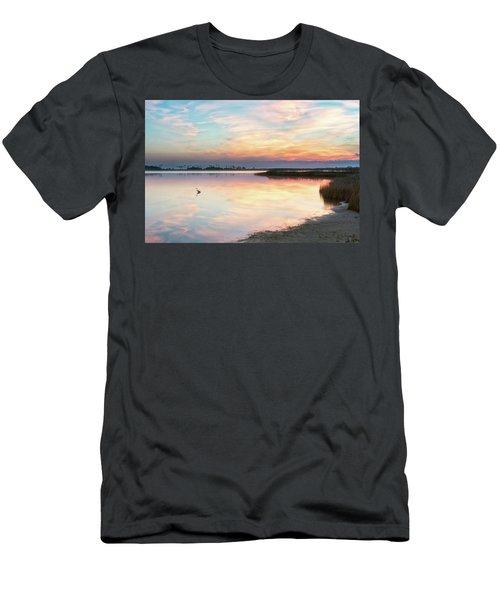 Old Blue Men's T-Shirt (Athletic Fit)