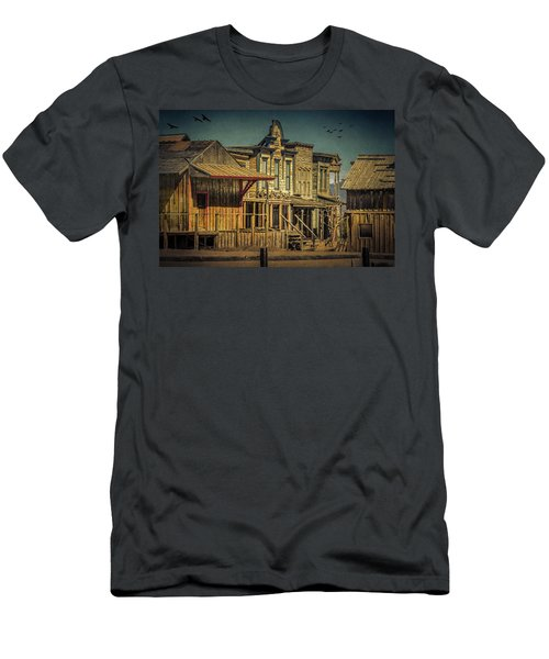 Old Western Town Men's T-Shirt (Athletic Fit)