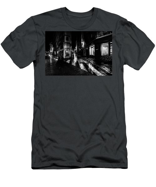 Paris At Night - Rue De Seine Men's T-Shirt (Athletic Fit)
