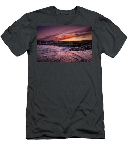 Pier To Pier Sunset Men's T-Shirt (Athletic Fit)