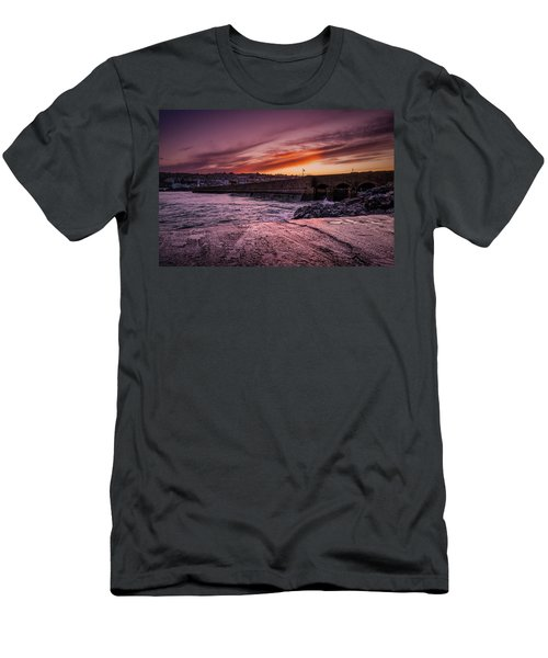 Pier To Pier Sunset Men's T-Shirt (Athletic Fit)