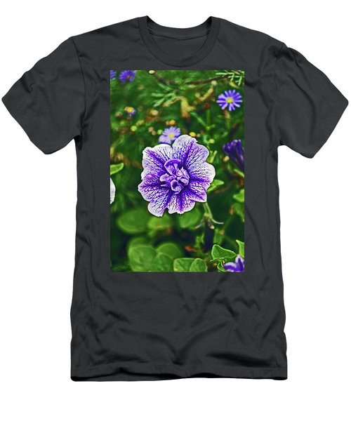 Pitlochry.  Purple Petunia. Men's T-Shirt (Athletic Fit)